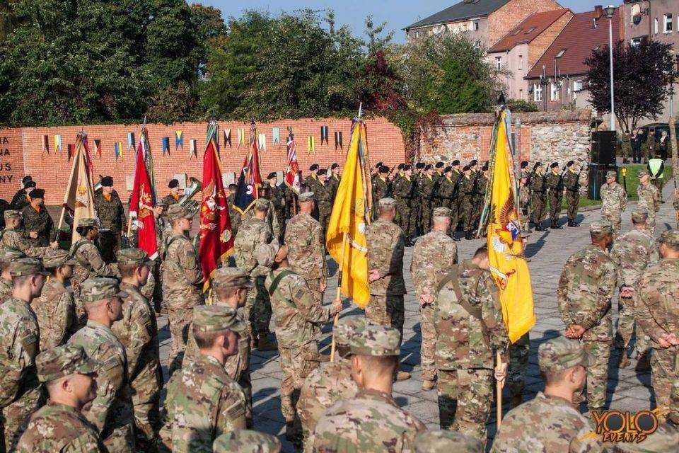 Żagań opuszcza żelazna brygada 4. dywizji piechoty z Fort Carson w stanie Kolorado